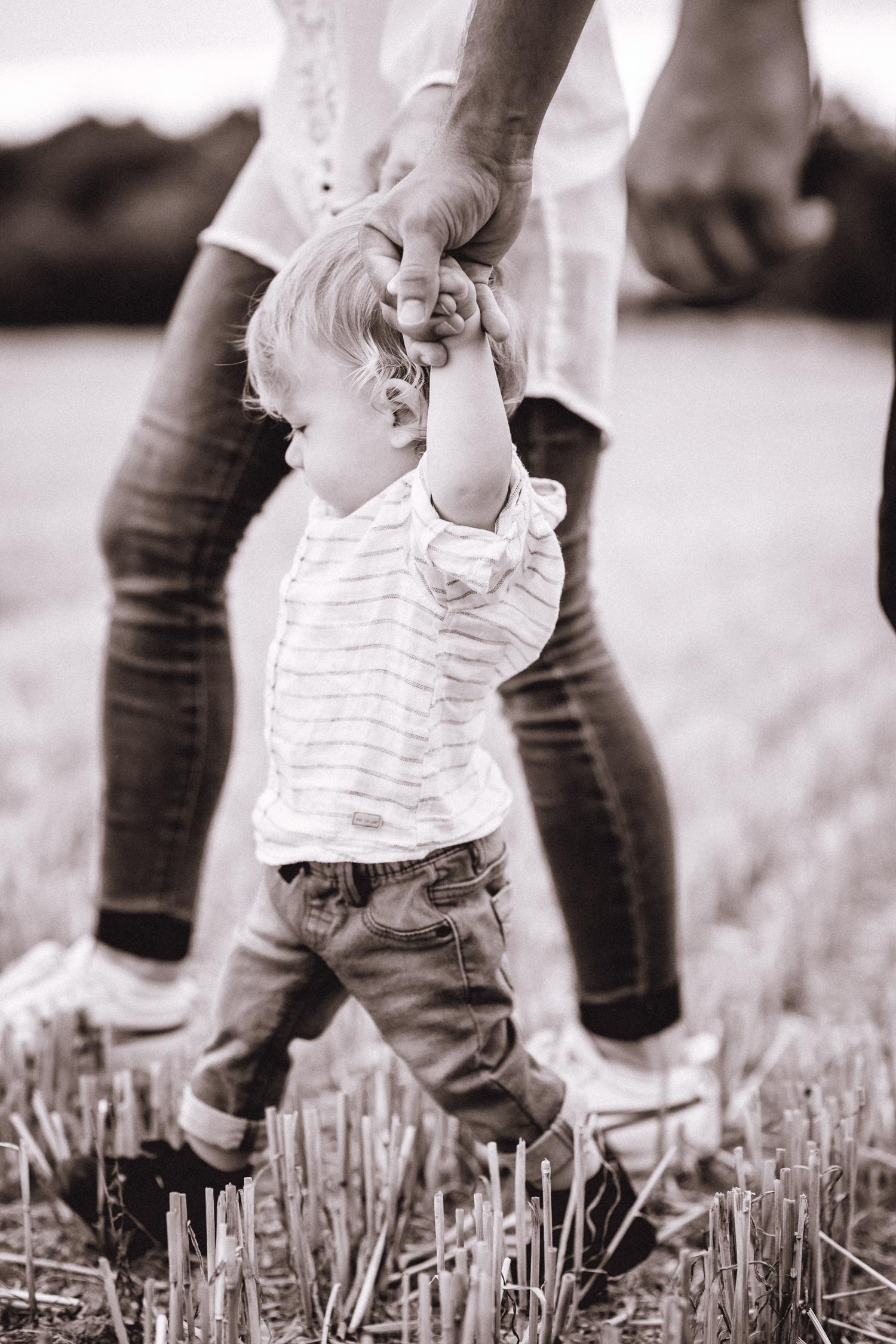 Little Foot Fotografie - Lara Czymerys - Babyfotos Mülheim - Fotostudio Essen - Babyfotografin Oberhausen - Newbornfotgrafie Mülheim - Familienfotograf Ruhrgebiet - Fotostudio Düsseldorf