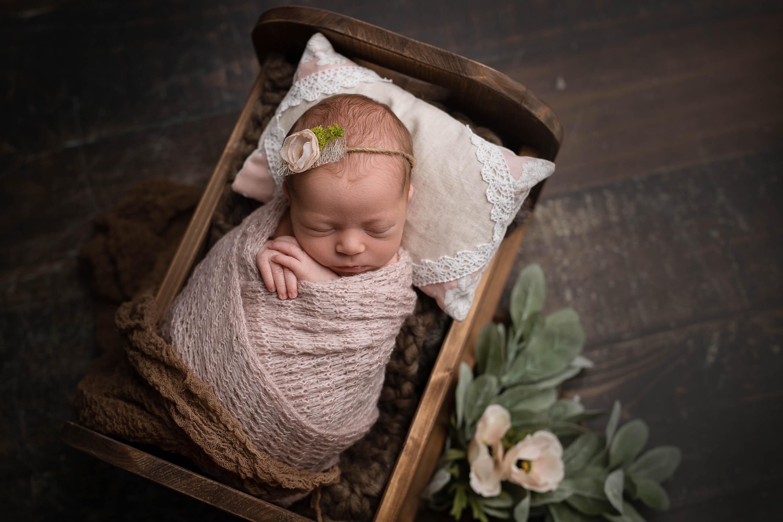 Neugeborenenfotografie Ruhrgebiet - Babyfotos Mülheim - Babyfotografin Essen - Neugeborenes - Babyshooting Düsseldorf